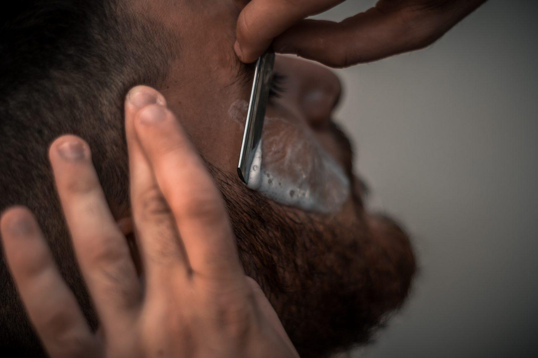 髭剃る→生える→剃るの無限ループで髭は濃くなる?真相と正しい髭処理方法